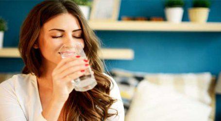 મીઠાઈ પછી પાણી પીવાની આદતથી આરોગ્યને થઈ શકે છે નુકસાન