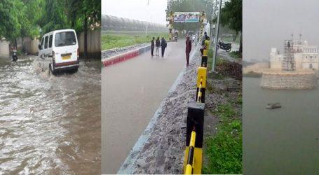 રાજકોટમાં 17 ઇંચથી વધુ વરસાદ, શાળા-કોલેજોમાં રજા, તંત્ર એલર્ટ
