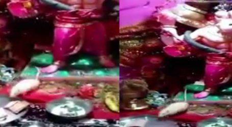 VIRAL VIDEO : લીંબડીમાં બાપ્પાનો મૂષક આરતીના થાળીમાંથી રૂપિયા લઈ જાય છે