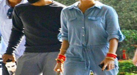 મુંબઇ રિસેપ્શન : વિરાટ અને અનુષ્કા પહોંચ્યા વેન્યુ પર