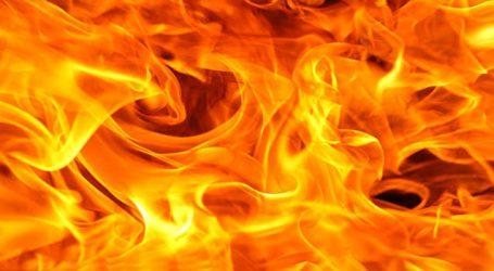 રાજકોટ : વસવાણી રોડ પર એક દુકાનમાં ભીષણ આગ લાગી