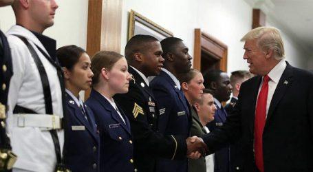 અમેરિકન સૈન્યમાં ટ્રાન્સજેન્ડર્સની ભરતી ૫ર રોક : મેમોરેન્ડમ ૫ર ટ્રમ્પે હસ્તાક્ષર કર્યા