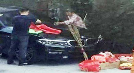Viral Video : પૂજા માટે પ્રગટાવી અગરબત્તી, આંખના પલકારે ભડકે બળી ગઇ બ્રાન્ડ ન્યૂ BMW