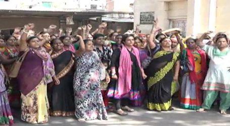 પોલીસ છાવણીમાં ફેરવાયું નવું સચિવાલય, સરકાર મહિલાઅોથી ડરી