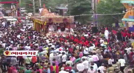 ભાવનગરઃ 33મી રથયાત્રાની શરૂઆત, ભોઈ સમાજના યુવકો દ્વારા રથ ખેંચવામાં આવ્યો