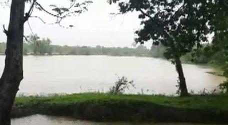 છોટાઉદેપુરમાં 24 કલાકથી વરસી રહેલા વરસાદના પગલે રેલવના ગરનાળામાં પાણી ભરાયું