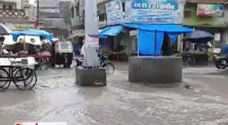 રાજકોટઃ ધોરાજીમાં 2 કલાકમાં 2 ઇંચ વરસાદ, ફોફળ ડેમમાં નવા નીર આવ્યા