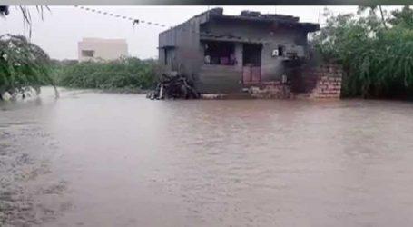 ઉના : રામનગર ખારા ગામમાં વરસાદી પાણી ન ઓસરતા લોકો પરેશાન