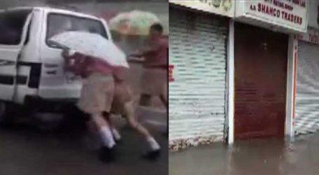 વડોદરાઃ 24 કલાકમાં 6 ઈંચથી વધુ વરસાદ, દુકાનોમાં પાણી ભરાયા, વિદ્યાર્થીઓને હાલાકી