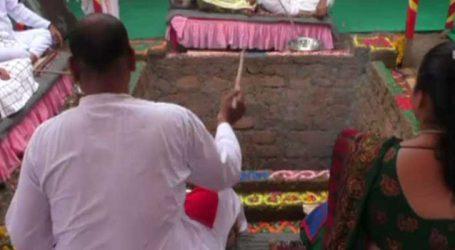 રાજકોટમાં ઇન્દ્ર દેવને રિજવવા માટે જ્ઞાનીઓ દ્વારા યજ્ઞ કરાયો