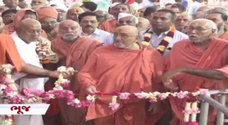 સ્વામિનારાયણ મંદિરમાં હિંડોળા મહોત્સવનો પ્રારંભ, બુલેટ ટ્રેનની આબેહૂબ કૃતિ તૈયાર કરાઈ