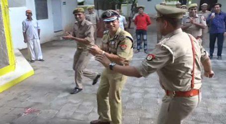 Viral Video: IG સાહેબે ઉમંગમાં આવી પોલીસ કર્મીઓ સાથે કર્યો ડાન્સ