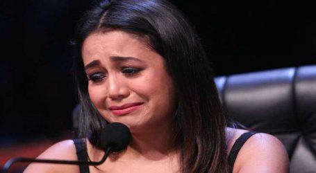 Video : ચોધાર આંસૂએ રડવા લાગી નેહા કક્કડ, કારણ જાણીને તમે પણ થઇ જશો ભાવુક
