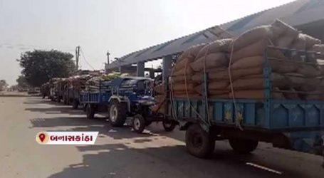 ખેડૂતોની સરકારઃ પરંતુ બનાસકાંઠામાં ખેડૂતો 4 દિવસથી થઈ રહ્યા છે હેરાન