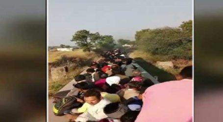 ટ્રેનમાં જગ્યા ન મળતા જીવના જોખમે લોકો ટ્રેન પર બેસી પરિક્રમા માટે રવાના