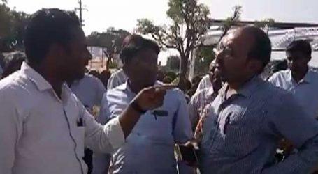 પાલનપુરમાં મગફળી ખરીદીમાં હોબાળો, ખેડૂતોએ કર્યો હંગામો
