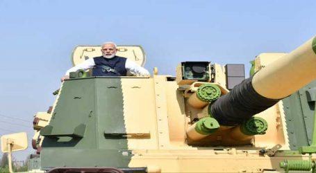 ભારતીય ટેંકમાં સવાર થઇને PM મોદીએ ટેસ્ટ ડ્રાઇવ પણ લીધી, ફેંકવામાં છે માહેર
