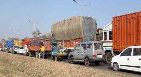 રામોલથી છેક વસ્ત્રાલ સુધી એક કિ.મી. લાંબો ચક્કાજામ, વાહનચાલકો અટવાઇ પડ્યા