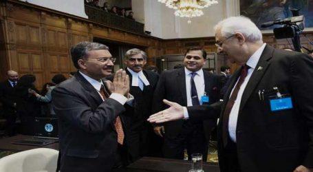 ICJમાં કુલભૂષણ જાધવ કેસઃ ભારત-પાકના અધિકારીઓનો આ ફોટો થયો વાઈરલ