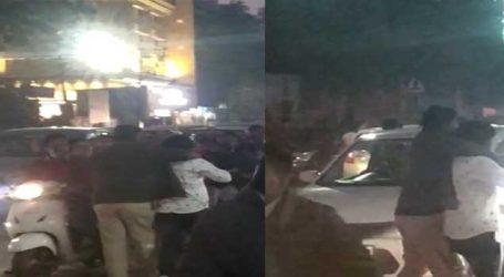 રાજકોટના યાજ્ઞિક રોડ પર જાગનાથ પોલીસ ચોકી નજીક મારામારી