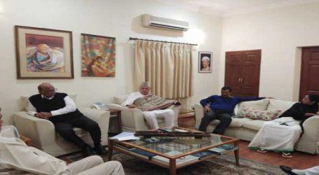 દિલ્હીમાં શરદ પવારના ઘરે 3 રાજ્યના CM, ફારૂક અબદુલ્લા વચ્ચે ખાસ બેઠક