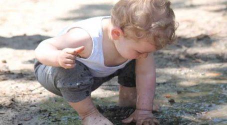 બાળકો અવાર-નવાર માટી કેમ ખાય છે?, કારણ જાણી ચોંકી જશો